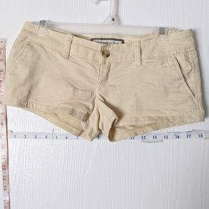 ABERCROMBIE & FITCH LADIES SIZE 00 YELLOW SHORTS